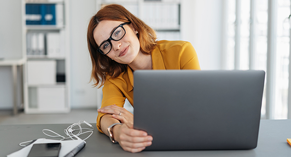 Online-Seminar Excel - Formeln und Funktionen. Foto: contrastwerkstatt / Adobe Stock